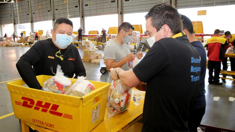 Empleados de Deutsche Post DHL Group apoyan las iniciativas de ayuda humanitaria en tiempos de COVID-19 en las Américas